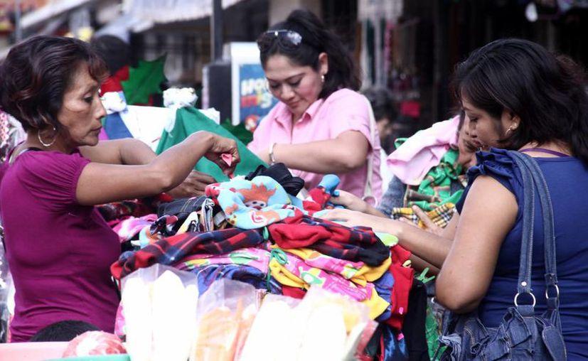 Las tiendas de ropa serán vigiladas por inspectores de la Profeco. (SIPSE)