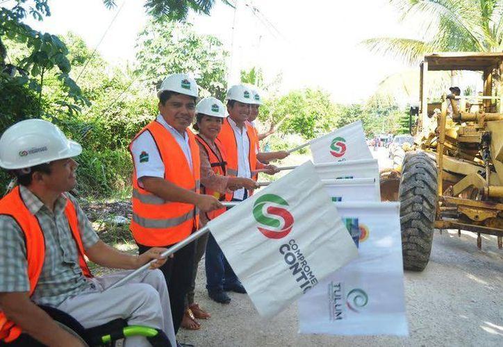 Ayer iniciaron las obras de pavimentación en calles de la colonia Ejidal.  (Redacción/SIPSE)