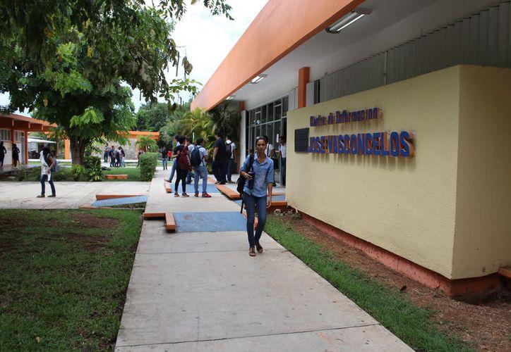 El examen tendrá un costo de 480 pesos para los mexicanos y los extranjeros de 960 pesos. (Joel Zamora/SIPSE)