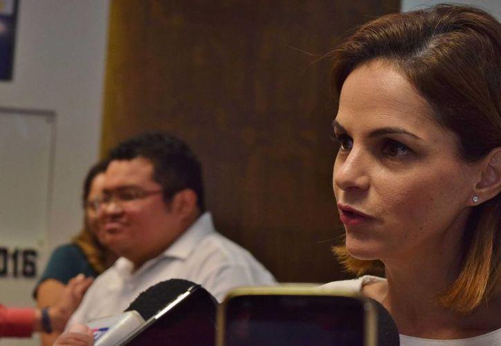 La regidora Georgina Ruiz Chávez cuestionó ante el Cabildo de Cozumel la eliminación de proyectos culturales y de promoción. (Gustavo Villegas/SIPSE)