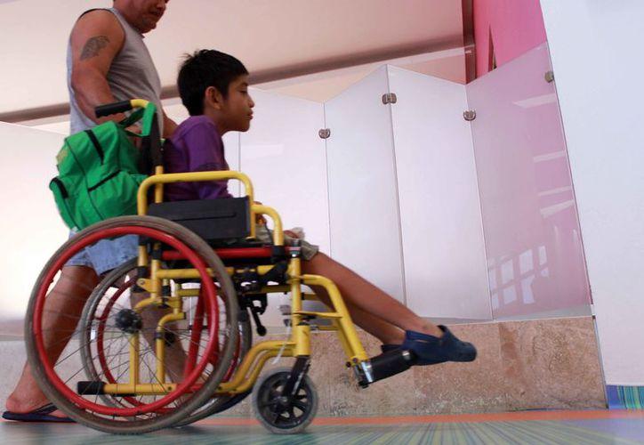 En Cancún alrededor de mil 500 menores con alguna discapacidad son atendidos en instituciones de la SEyC. (Luis Soto/SIPSE)