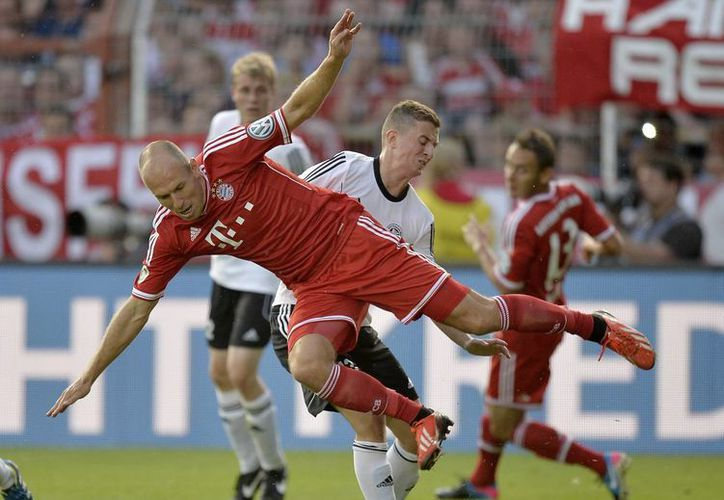 Tremenda paliza le dio el Bayern Múnich al BSV Schwarz Rehden al perforar en cinco ocasiones la portería. (Agencias)