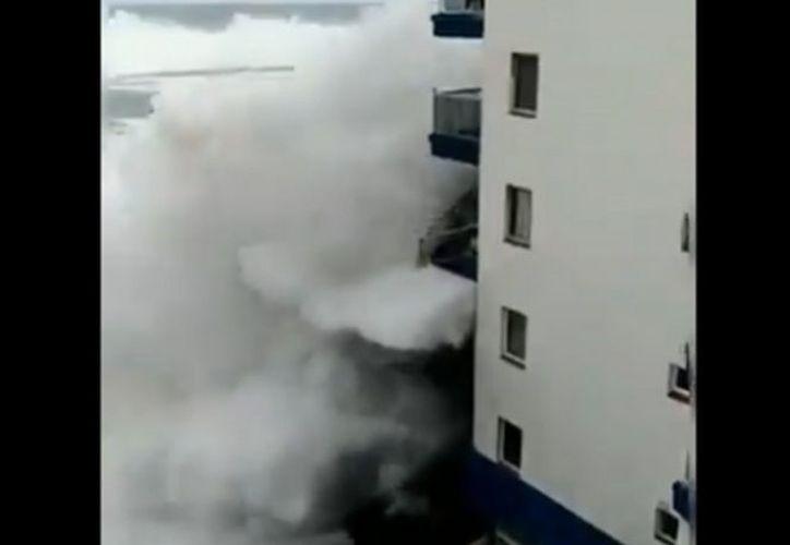 El fuerte temporal está afectando a las Islas Canarias en España. (excelsior.com)
