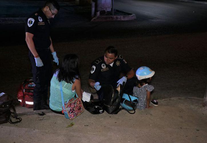 Una mujer que se empezó a sentir mal se accidentó con su hija bajo el puente de periférico de Mérida con 42 sur.