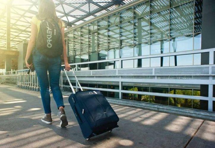 Viajar durante el otoño puede salir mucho más económico que hacerlo en verano. (Pexels)