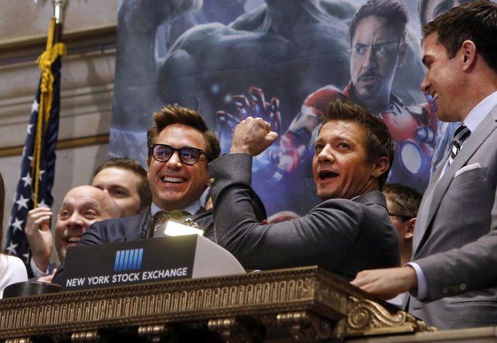 Robert Downey Jr (Iron Man) en un evento público en Nueva York con otros protagonistas de 'Los Vengadores: la era de Ultrón', que se estrenó este fin de semana en muchos países. Downey Jr denostó al cineasta mexicano Alejandro González. (Foto: AP)
