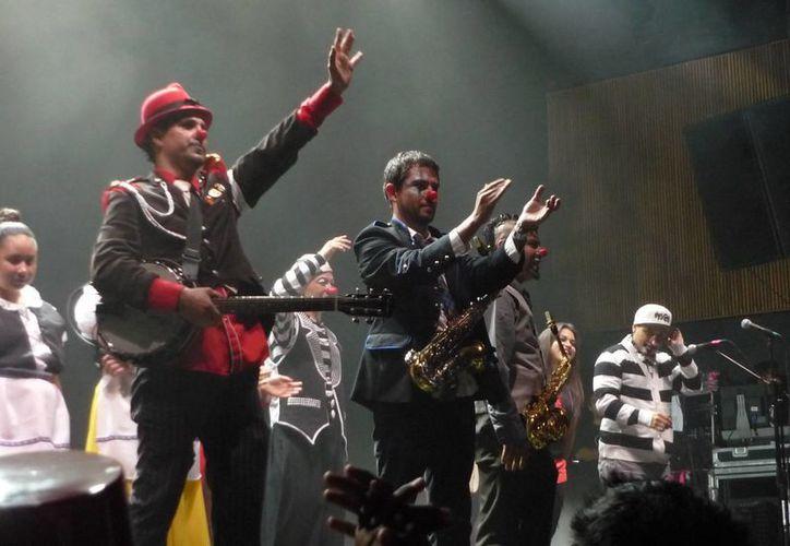 Con varias canciones de Triciclo Circus dio inicio el Festival Vive Latino 2015 en la capital mexicana. (gritaradio.com/Foto de archivo)