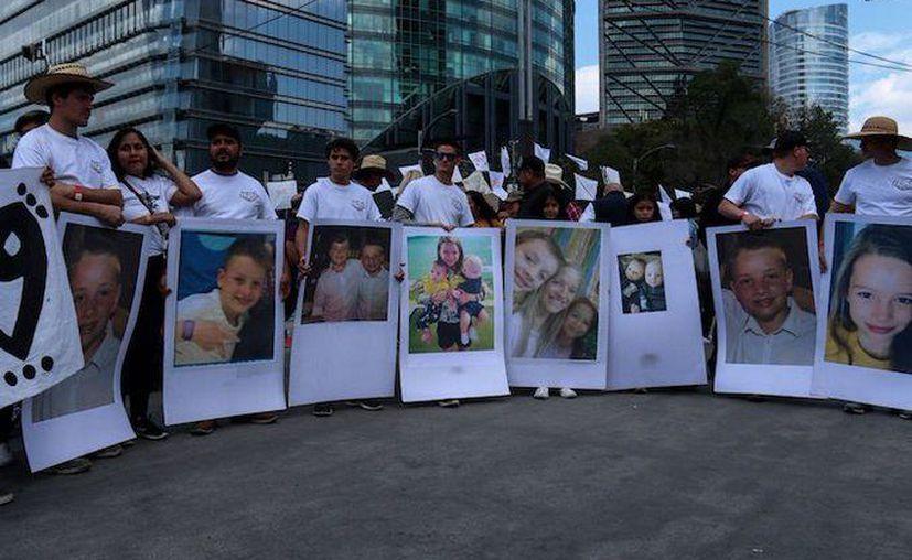 Miembros de la familia LeBaron presentaron una demanda federal en la que acusan al Cártel de Juárez de perpetrar el ataque en represalia por sus críticas y protestas públicas en contra de la organización delictiva. (Foto: Twitter).