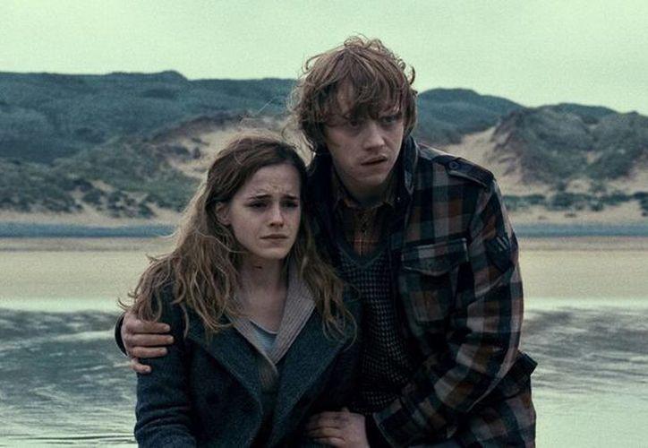 Muchos expresan dudas sobre el amor entre Hermione Granger y Ron Weasley. (emmawatson.com)