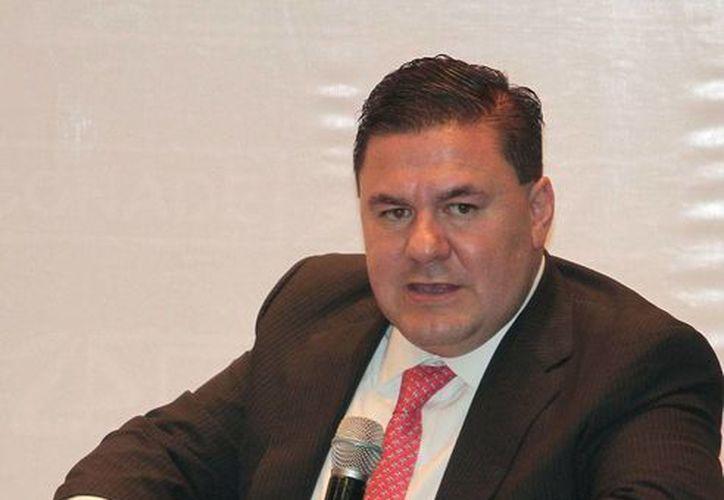 Jesús Mena estuvo 22 meses al frente de la Comisión Nacional de Deporte: este miércoles presentó su renuncia. La imagen es de archivo y corresponde a la presentación del libre <i>25 Glorias del deporte adaptado</i>.