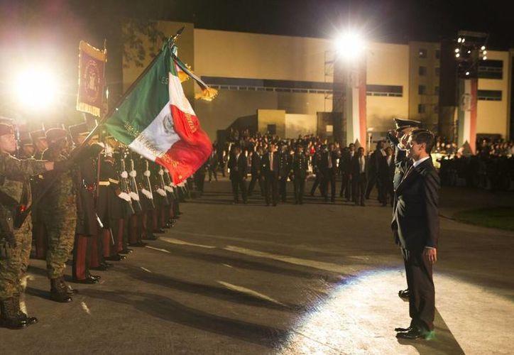 """""""Siempre han acudió al llamado de la patria; en defensa de la República"""" reconoció el mandatario mexicano."""