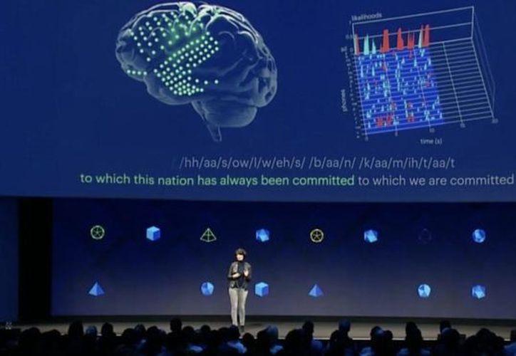 Facebook también dio a conocer su intención de desarrollar un nuevo sistema. (López Doriga)