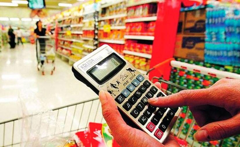 De acuerdo con el Inegi, la inflación de diciembre afectó, a la alza, el precio de algunas verduras y de los servicios aéreos, principalmente. (Vanguardia)