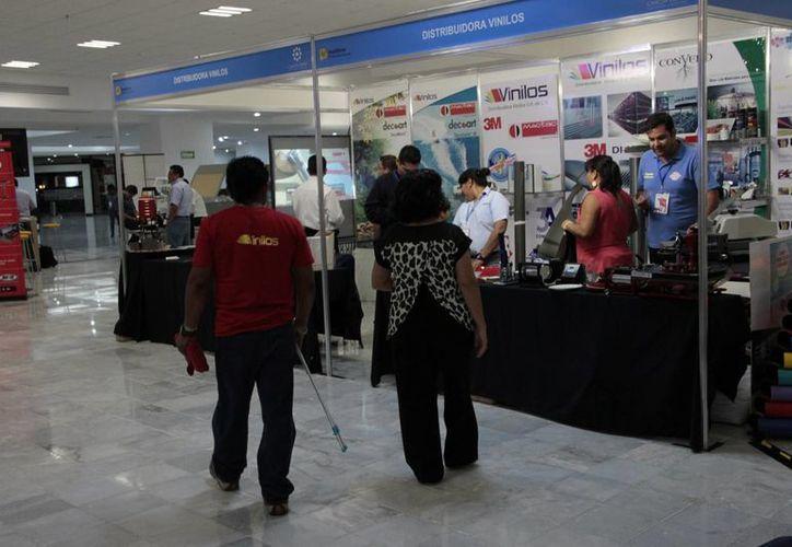 La exposición está dirigida a empresas que generan publicidad. (Tomás Álvarez/SIPSE)