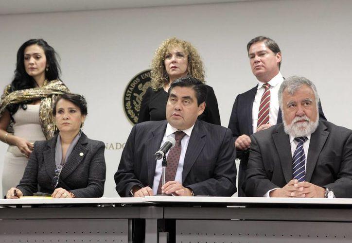 Los legisladores de izquierda dijeron que se levantarán 'de todas las mesas del Senado'. (Notimex)