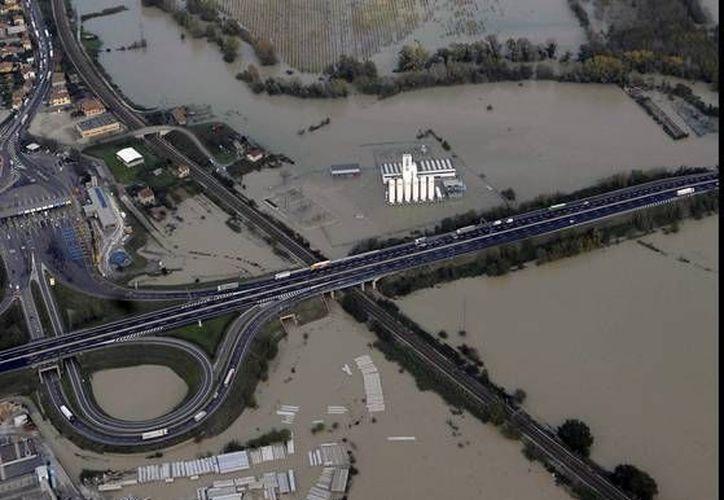 Las condiciones climáticas han desatado el caos en Italia. (Agencias)