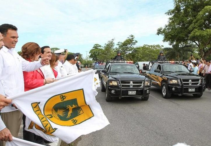 Ayer el gobernador Rolando Zapata dio el banderazo inicial del Operativo Vacacional Verano 2013, con la participación  de 172 vehículos y 850 efectivos de la SSP. (Cortesía)