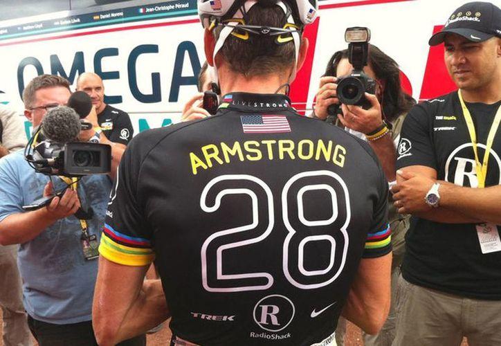 Aunque no sean carreras con fines competitivos, la federación estadounidense de ciclismo no permite que Armstrong participe. (Facebook/Lance Armastrong)