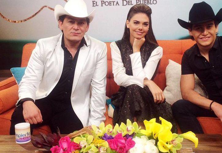 José Manuel y Julián Figueroa y Livia Brito protagonizan 'Por siempre Joan Sebastian'. (univisión.com)