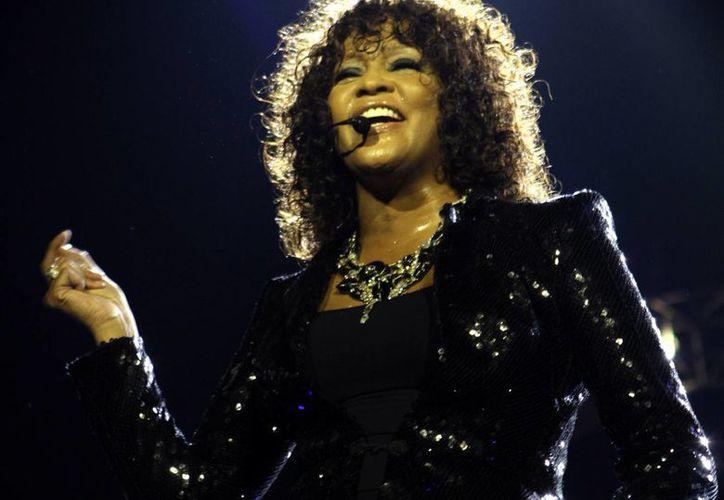 Los archivos acerca de Whitney Houston son de la década de los 90. (AGENCIAS)