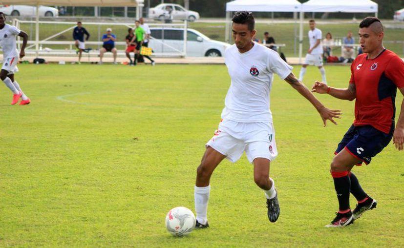 Pioneros de Cancún va por un resultado positivo contra Athletic Club Morelos. (Ángel Mazariego/SIPSE)