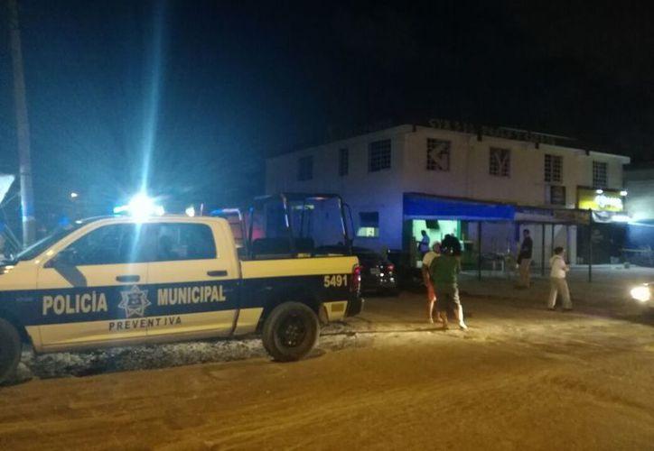 Los hechos se registraron en un local que se ubica sobre la avenida Kabah, Región 225. (Eric Galindo/SIPSE)
