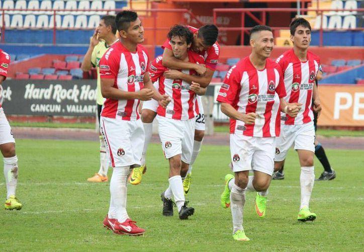 Pioneros e Inter Playa marchan sexto y séptimo en la Segunda División. (Francisco Gálvez/SIPSE)