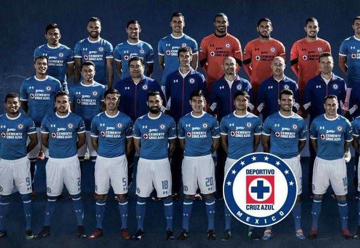 Cruz Azul se tomó la foto oficial previo al arranque de la jornada 4 de la Liga MX. (Foto de @CRUZAZULFUTBOL)