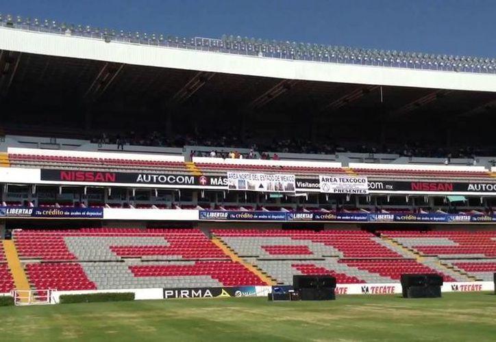 La persona fallecida trabajaba ayer durante el partido del Querérato ante el Irapuato, que se disputó en el estadio La Corregidora. (espacioqueretaro.com)