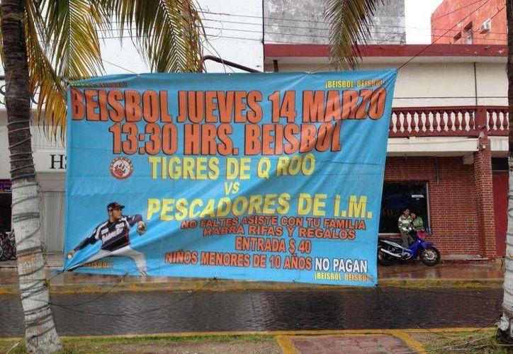 Promoción del partido entre los Tigres y Pescadores. (Lanrry Parra/SIPSE)