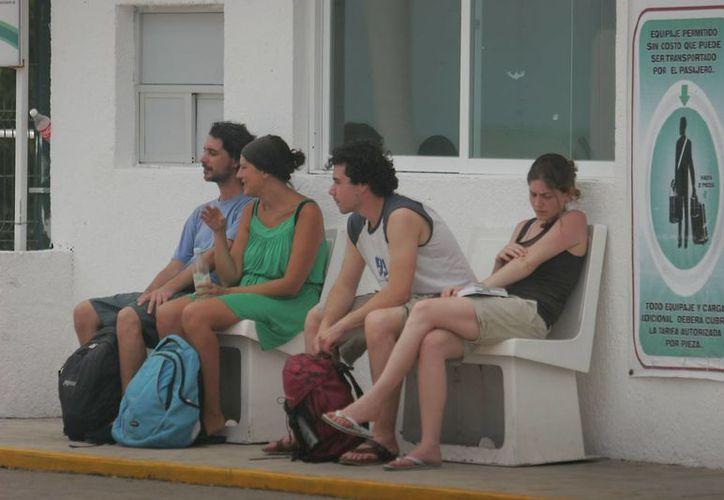 Ahora los italianos y alemanes frecuentan los atractivos turísticos de la zona sur. (Harold Alcocer/SIPSE)