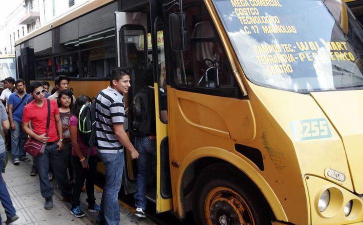 El plan de modernización del transporte ha llevado tiempo porque se requiere el consenso de todas las partes, aseguró Humberto Hevia. (SIPSE)