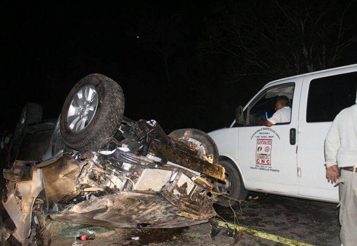 El conductor del vehículo perdió el control de la camioneta y se volcó. (Foto: Redacción)