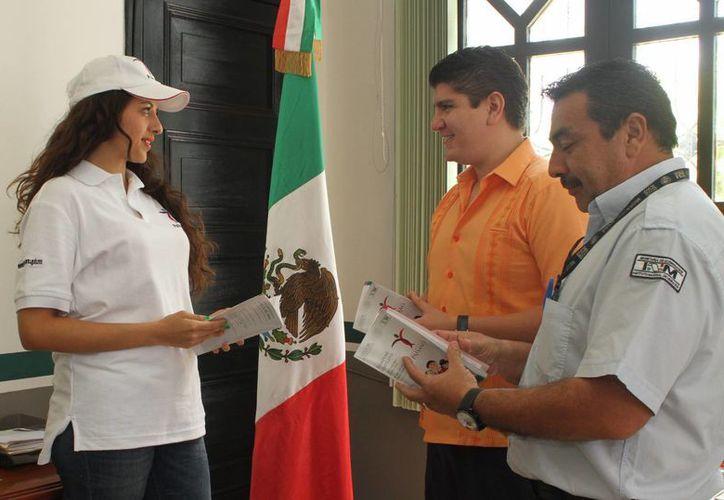 El INM dará información a yucatecos que arriben al Estado, de EU. (Milenio Novedades)