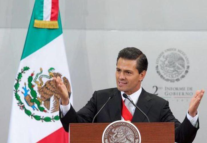 El presidente Enrique Peña Nieto dio a conocer en su segundo informe de gobierno que el nuevo aeropuerto capitalino atenderá a 120 millones de pasajeros al año. (presidencia.gob.mx)