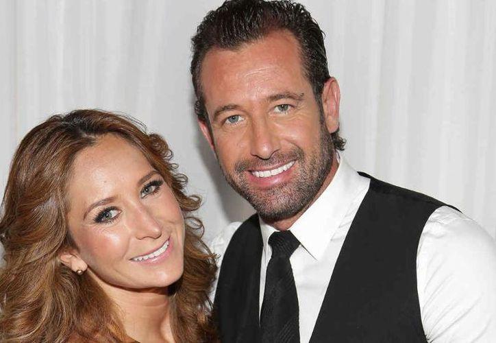Geraldine y Gabriel firmaron los papeles que pusieron fin a su enlace matrimonial. (Internet)