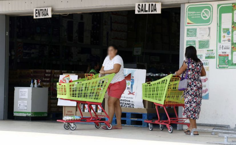 Desde finales de marzo y hasta la fecha aumentó el uso de tarjetas de crédito y débito para realizar compras en línea y así evitar aglomeraciones. (Novedades Yucatán)