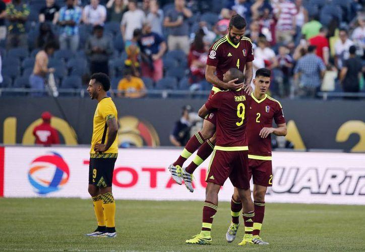 Los venezolanos obtuvieron sus primeros tres puntos de la Copa América Centenario al derrotar a su similar de Jamaica. (AP)