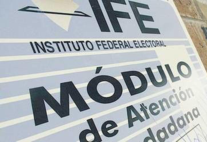 La autoridad electoral en Cancún supervisa las nueve señales de radio y cinco de televisión. (Foto de Contexto/Internet)