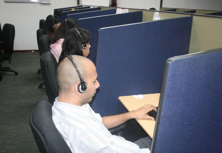 Las Siefores informan que existe un mercado laboral cerrado para los jóvenes recién egresados. (Jesús Tijerina/SIPSE)