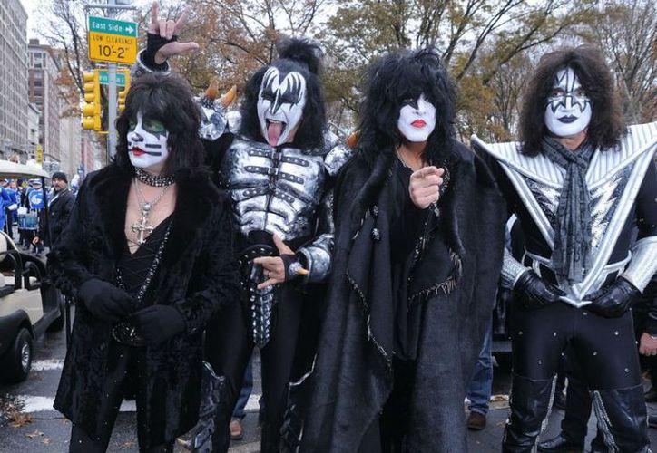 La banda Kiss anunció la cancelación de su concierto en Inglaterra,que estaba programado para el próximo 30 de mayo. (Contexto/Internet)