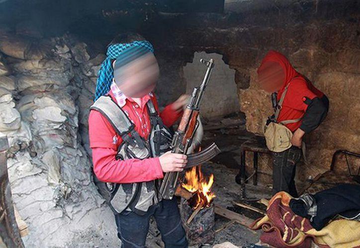 Algunos de los niños adiestrados por yihadistas han muerto en combates o han sido detenidos por el régimen sirio. (Reuters)