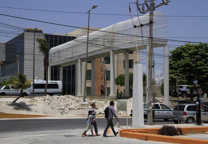 Para la construcción de los puentes se invirtió dos millones de pesos. (Tomás Álvarez/SIPSE)