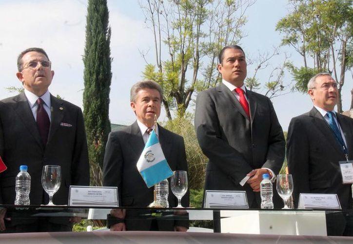 El presidente de la Cámara de Diputados (izq.) encabezó la interparlamentaria México-Guatemala. (Notimex)