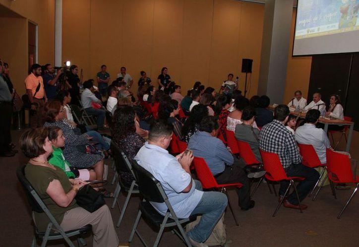 Continúan las actividades en la séptima edición de la Feria del Libro Yucatán. (Milenio Novedades)