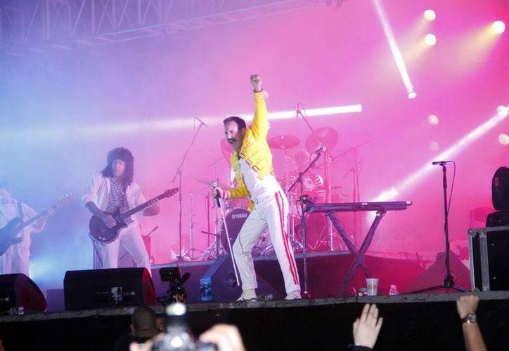 """La banda argentina """"Dios salve a la reina"""" recreará el concierto de Queen en el estadio de Wembley. (SIPSE)"""