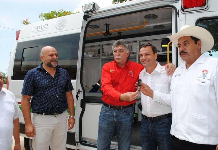 La ambulancia de la delegación tiene un costo de 600 mil pesos. (Redacción/SIPSE)