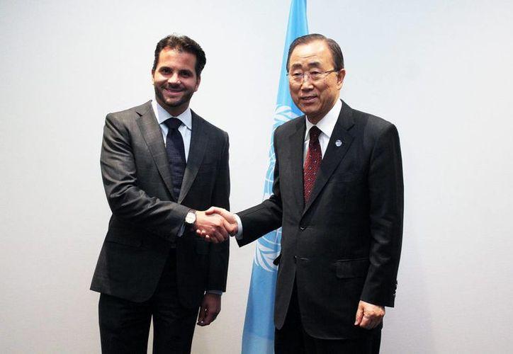 El secretario de ONU, Ban Ki-moon resaltó ante el secretario mexicano de Semarnat, Rafael Pacchiano Alamán, la importancia de que México haya sido el primer país en desarrollar y en plantear contribuciones nacionales contra el cambio climático. (Notimex)