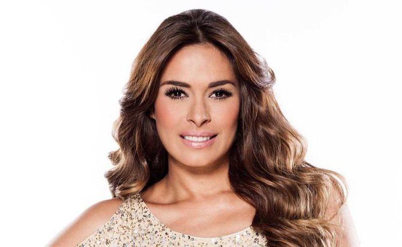 Galilea Montijo estará zcompañada del youtuber Sebastián Villalobos en la conducción de los Kids' Choice Awards México 2016. (vanguardia.com.mx)