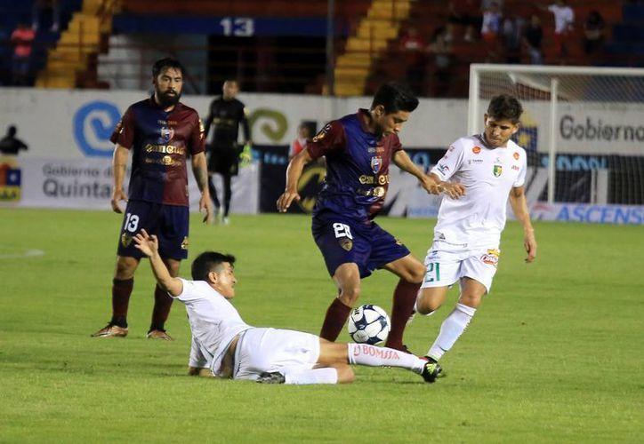 El equipo Venados sacó un valioso punto como visitante. (Luis Soto/SIPSE)